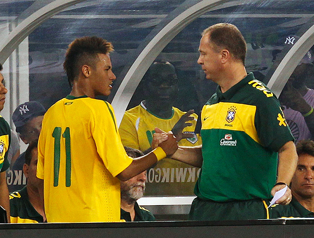 mano menezes neymar brasil (Foto: agência Reuters)