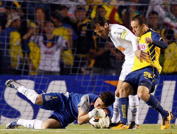 Rafael goleiro Santos x América-MEX (Foto: AP)