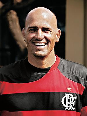 Kelly Slater camisa do Flamengo (Foto: Luciano Huck/TV Globo/ Revista Trip)