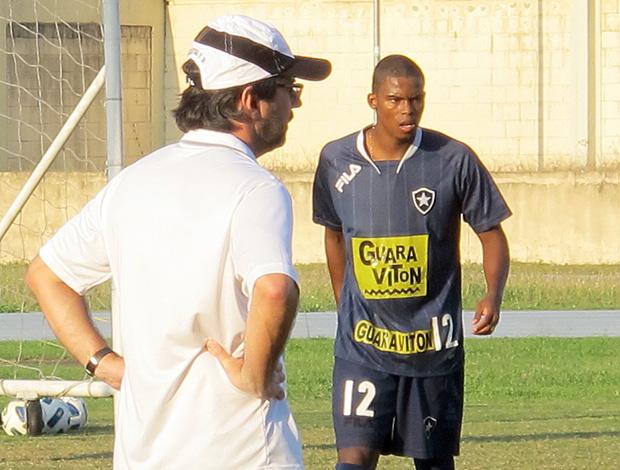 Maicosuel treino Botafogo (Foto: Gustavo Rotstein / Globoesporte.com)