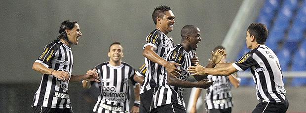 Marcelo Nicácio gol Ceará x Flamengo (Foto: Ag. Estado)