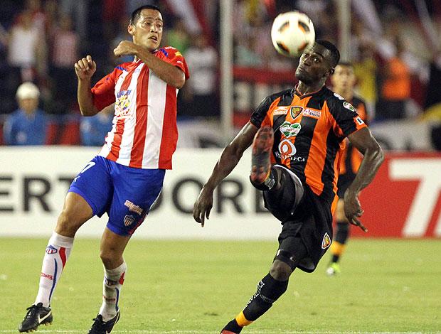 partida entre Jaguares contra o Atletico Junior pela Libertadores (Foto: EFE)