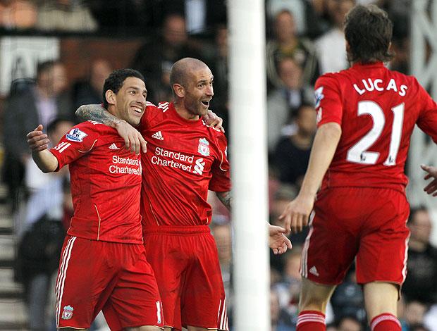 Maxi Rodriguez comemora gol Liverpool contra o Fulham (Foto: EFE)