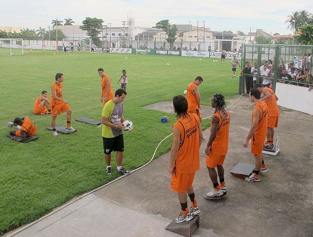 jogadores no treino do Ceará (Foto: Richard Fausto / GLOBOESPORTE.COM)