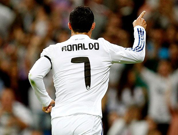 Cristiano Ronaldo comemora gol do Real Madrid contra o Getafe (Foto: Reuters)
