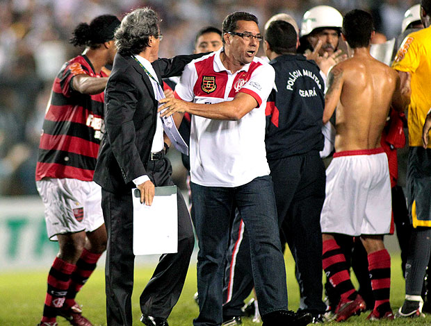 Luxemburgo na partida do Flamengo contra o Ceará (Foto: Futura Press)