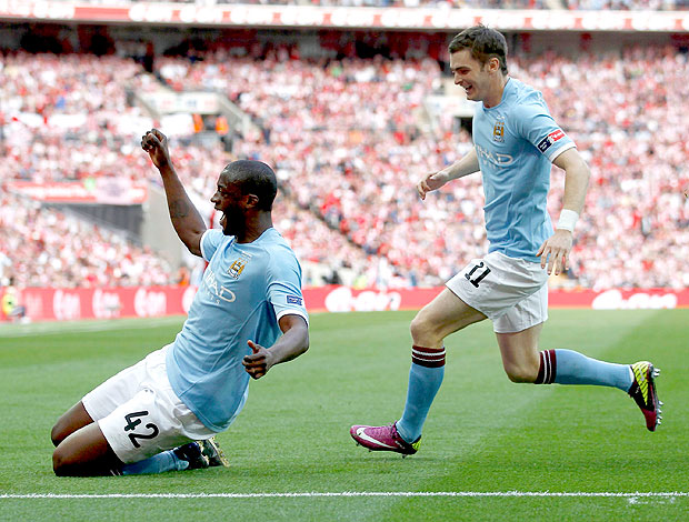 Yaya Toure comemora gol do Manchester City  (Foto: Reuters)
