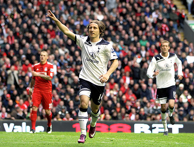 Luka Modric comemora gol do Tottenham contra o Liverpool (Foto: Getty Images)