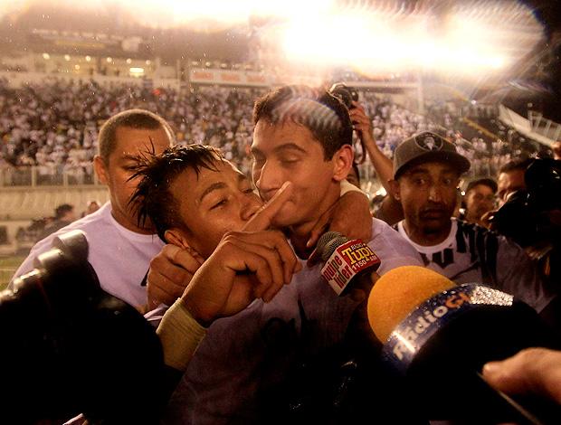 neymar ganso festa santos campeão paulista (Foto: Tiago Queiroz / Agência Estado)