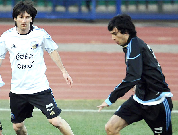 Messi e Pastore no treino da Argentina (Foto: AFP)