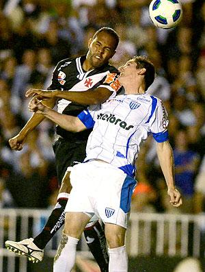 Alecsandro na partida do Vasco contra o Avaí (Foto: Alexandre Loureiro / FOTOCOM)