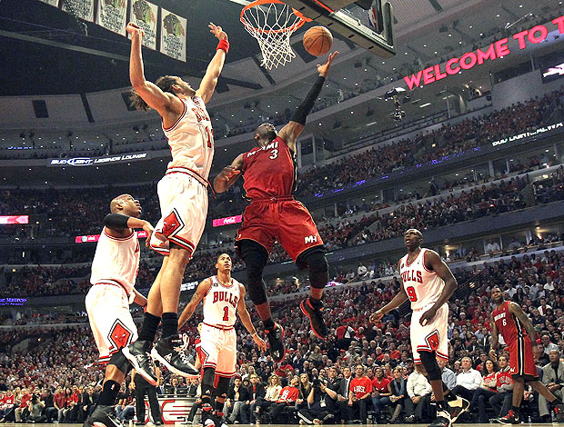Dwyane Wade do Heat na partida contra o Chicago Bulls (Foto: Getty Images)