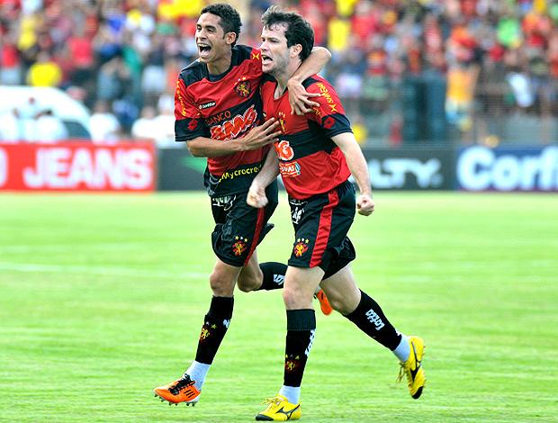 daniel paulista sport gol icasa (Foto: Aldo Carneiro / Agência Estado)