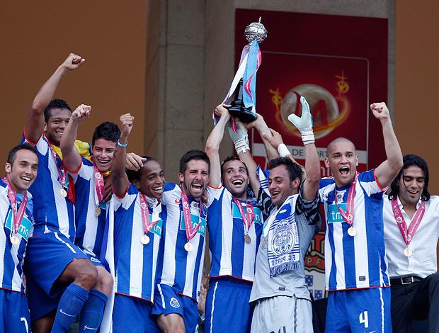jogadores Porto campeão português (Foto: agência AP)