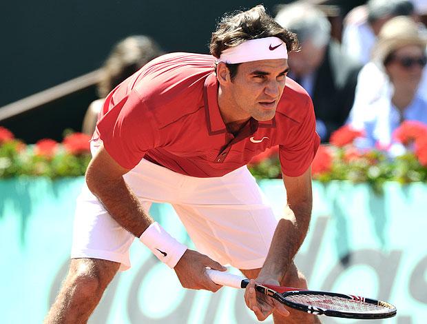 Roger Federer gola polo tênis Roland Garros 1r (Foto: AFP)