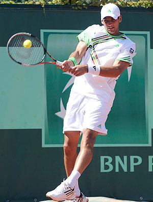 Thomaz Bellucci tênis Roland Garros 1r (Foto: AP)