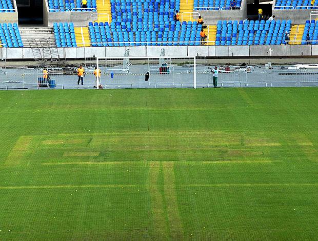 estado do estádio Engenhão após o show  (Foto: André Durão / GLOBOESPORTE.COM)