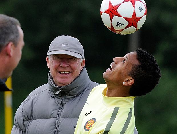 nani alex ferguson manchester united treino (Foto: agência Reuters)
