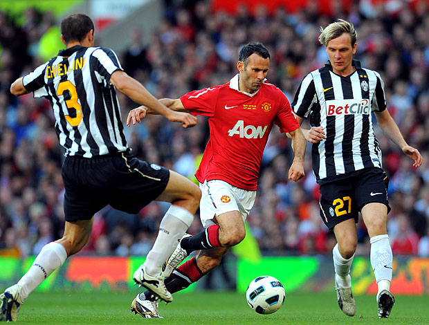 Ryan Giggs no jogo do Manchester United contra o Juventus (Foto: AFP)