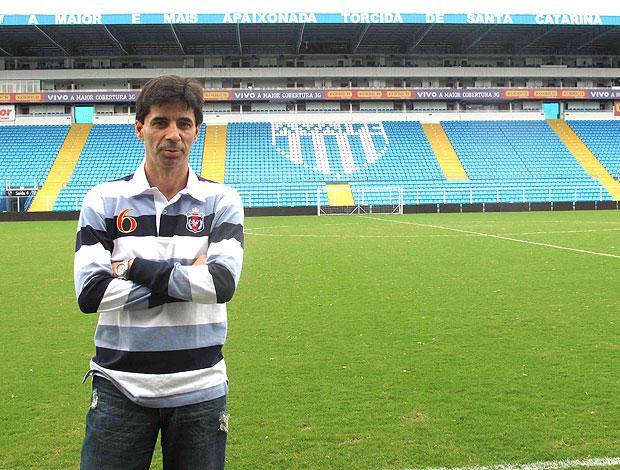 Mauro Galvão, superintendente de esportes do Avaí (Foto: Rafael Cavalieri / GLOBOESPORTE.COM)