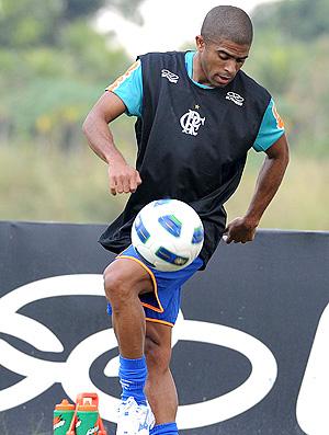 Junior Cesar no treino do Flamengo (Foto: Alexandre Vidal / Fla Imagem)