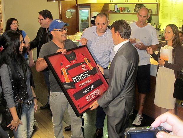 Petkovic homenagem documentário (Foto: Richard Souza / Globoesporte.com)