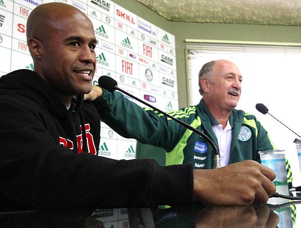 Marcos Assunção e Felipão durante coletiva do Palmeiras (Foto: Futura Press)