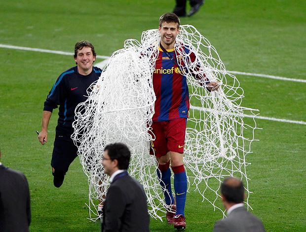pique barcelona rede wembley (Foto: agência Reuters)