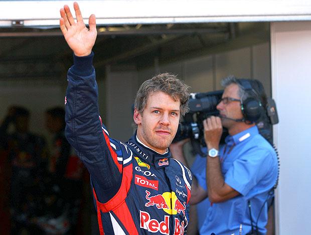 Vettel comemora pole em Mônaco (Foto: EFE)