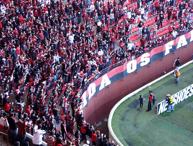 Lucas, ex-atacante do Atlético-PR arena da baixada (Foto: Fernando Freire / Globoesporte.com)