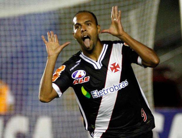 vasco x coritiba alecsandro gol (Foto: Marcelo de Jesus/Globoesporte.com)