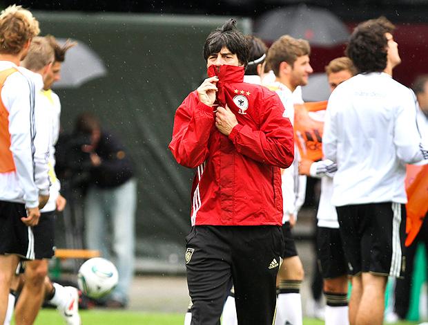 Joaquim Low no treino da seleção da Alemanha (Foto: EFE)