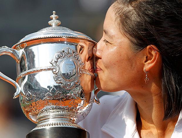 Na Li tênis Roland Garros final troféu (Foto: Reuters)