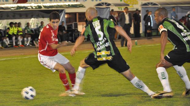 lance de jogo internacional x américa mg (Foto: Hélder Rafael/Globoesporte.com)