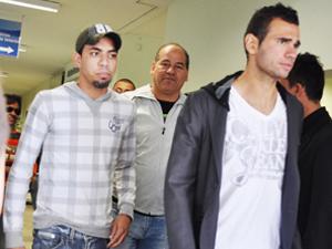 Leandro Cástan sai com amigo de hospital  (Foto: Cléo Furquim/Revista Etapa/Jaú)