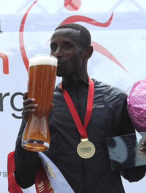 corrida e álcool Shentema Gudisa (Foto: Getty Images)