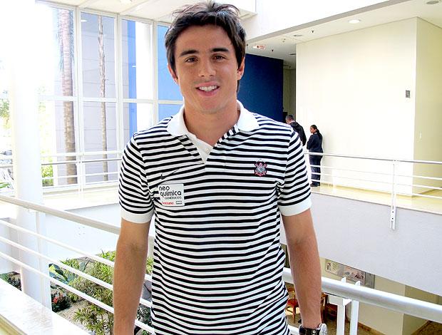William do Corinthians em visita à TV Globo (Foto: Adilson Barros / GLOBOESPORTE.COM)