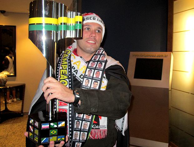 torcedor do vasco festa taça copa do brasil (Foto: Thiago Lavinas / Globoesporte.com)