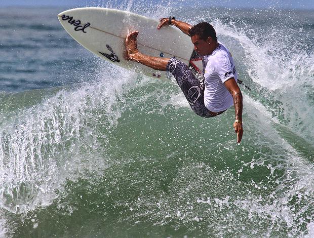 Surfe Alan jones Brasil Surf Pro (Foto: Fábio Minduim / Divulgação)