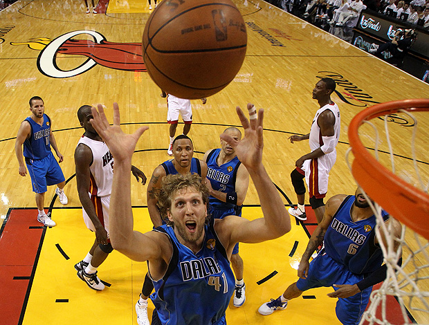basquete nba dirk nowitzki dallas mavericks miami heat (Foto: agência Getty Images)