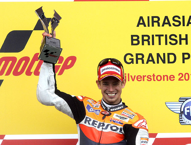 Casey Stoner vence a prova da MotoGP na Inglaterra (Foto: Reuters)
