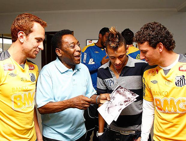 pelé neymar santos elano (Foto: Ricardo Saibun / Santos FC )