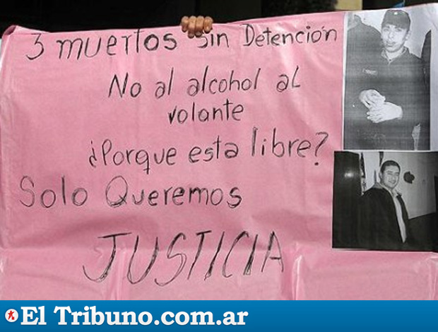 Reprodução El Tribuno.com.ar cartaz justiça acidente campagnaro (Foto: Reprodução El Tribuno.com.ar)