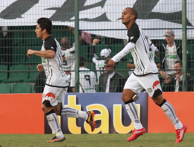 atlético pr x figueirense heber (Foto: Agência Estado)