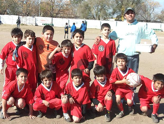 """Meninos do Club Atlético, Social y Deportivo Ernesto """"Che"""" Guevara de Cordoba (Foto: Maria Ycancha)"""