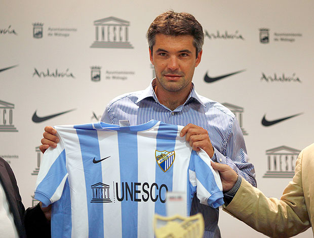 Jeremy Toulalan é apresentado no Málaga (Foto: Reuters)