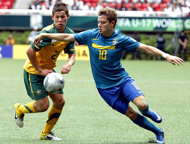 Riley Woodcock Austr&#225;lia Adryan Brasil Sub-17 (Foto: EFE)
