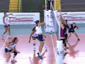 Jogo de vôlei feminino na Copa Mato Grosso (Foto: Reprodução/TVCA)