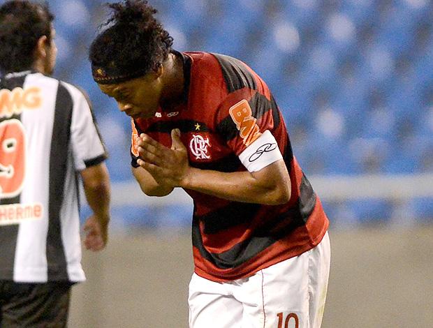 ronaldinho gaucho flamengo gol atlético-mg (Foto: Alexandre Loureiro / Vipcomm)