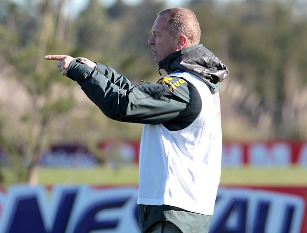 Mano Menezes treino Seleção (Foto: Mowa Press)